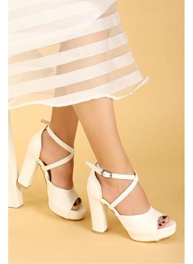 Ayakland Ayakland 3210-2058 Rugan Abiye 11 Cm Platform Topuk Bayan Sandalet Ayakkabı Beyaz